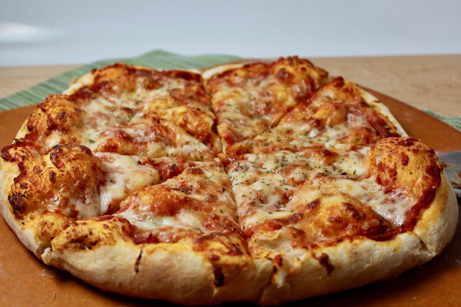 Easy Homemade Pizza Dough | epicuricloud (Tina Verrelli)